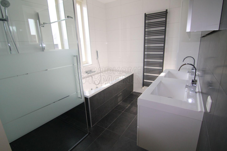 Hoge Spiegelkast Badkamer : Badkamers badkamervakman complete badkamer verbouwingen